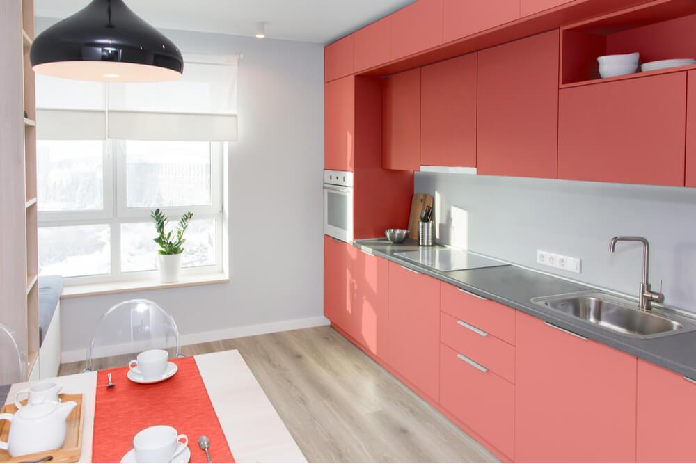 Como montar uma cozinha colorida planejada